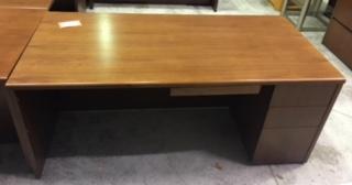 desk D144